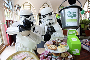 Stormtroopers collecting money for charity
